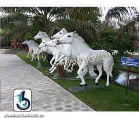 Điêu khắc con ngựa 1