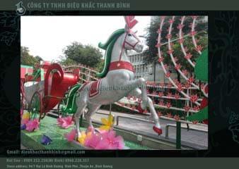 mô hình ngựa kéo xe