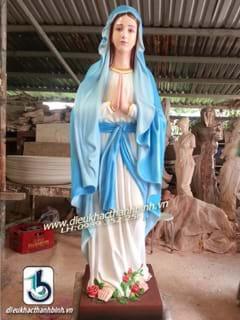 tượng đức mẹ